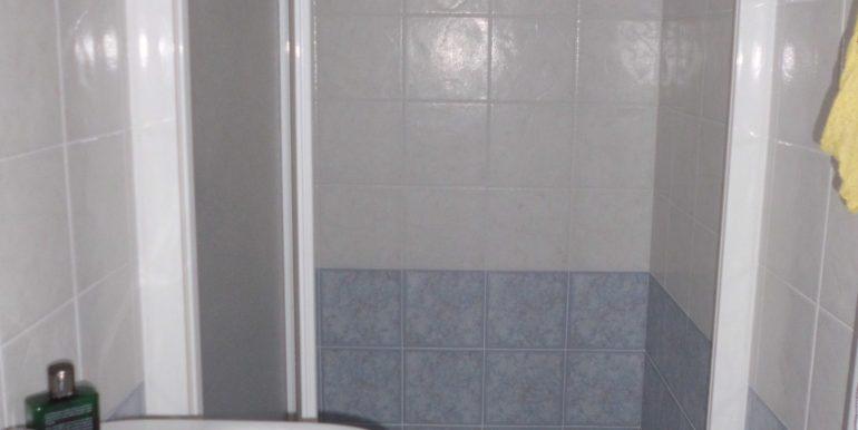 Edificio a Pinarella secondo bagno