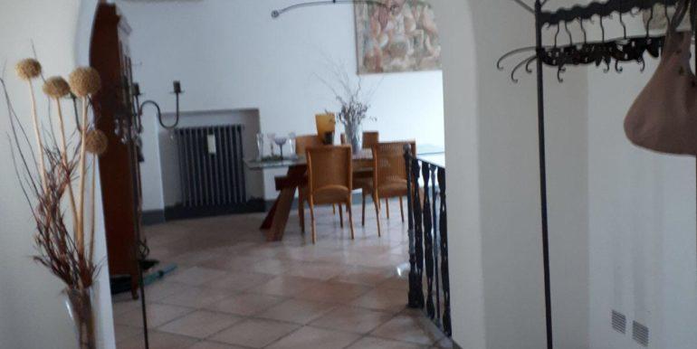 Ampio appartamento in vendita a Ravenna centro ingresso