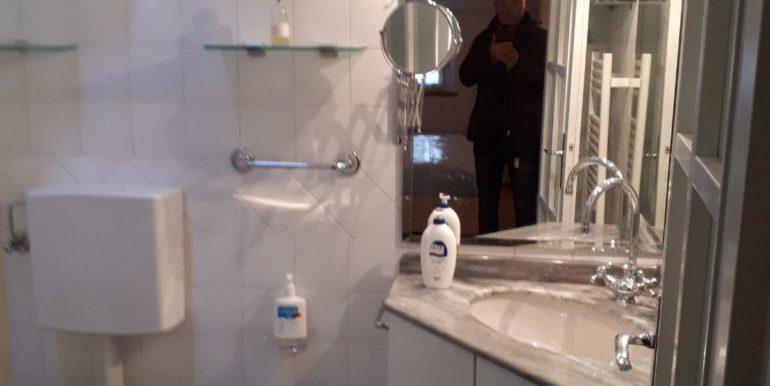 Ampio appartamento in vendita a Ravenna centro bagno