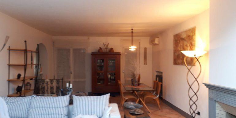 Ampio appartamento in vendita a Ravenna centro soggiorno
