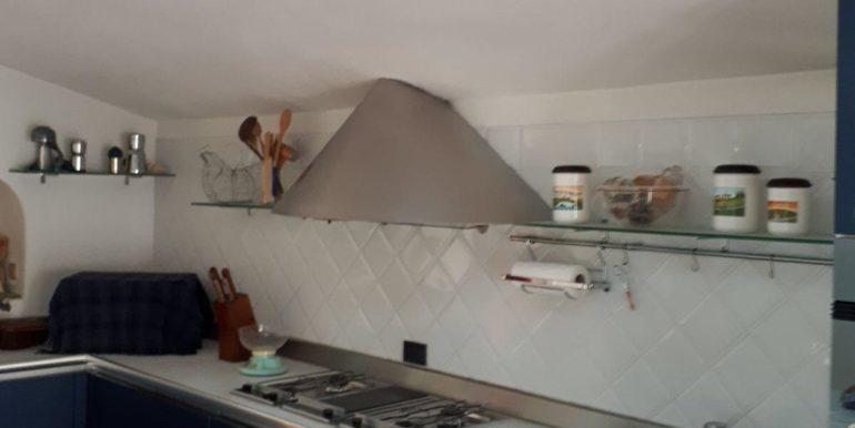 Ampio appartamento in vendita a Ravenna cucina