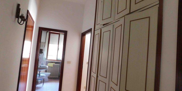 8 armadio a parete