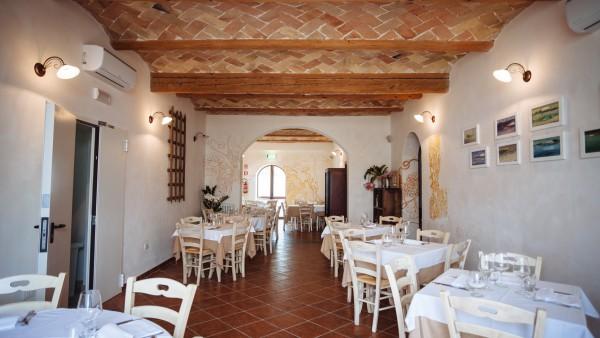 Dama RISTORANTE-Sala-sinistra-600x338