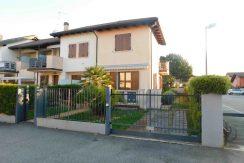 Trilocale con giardino in vendita a Pinarella