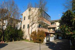 villa singola in vendita a Pinarella